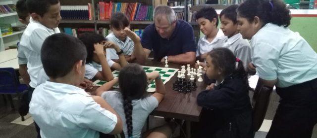 PROYECTO PANI-ICODER-FCACR: NIÑOS DE ALAJUELITA APROVECHAN LOS BENEFICIOS DEL AJEDREZ
